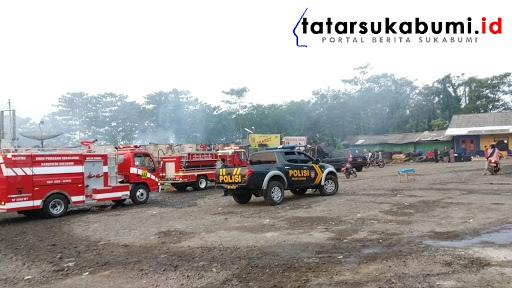 Kebakaran Komplek Pertokoan Terminal Cikembang Sukabumi // Foto : TatarSukabumi.ID