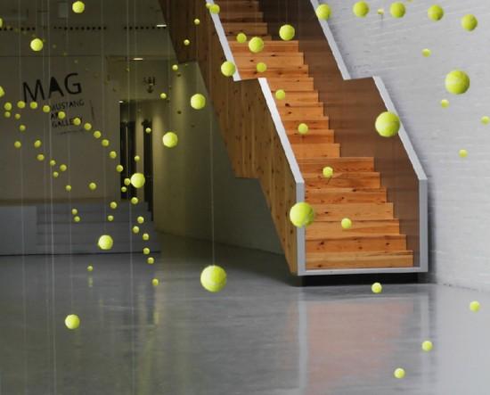https://lh3.googleusercontent.com/-jcY3Seg4tmI/T1eKf-MUu_I/AAAAAAAAF2o/fGmV68ZOBqo/s550/2000-tennis-balls-frozen6-550x443.jpg