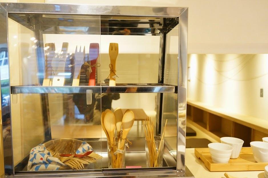 台北美食推薦-中山區結合咖啡、展演空間、設計和餐具的【ME Living Arts/皿皿】