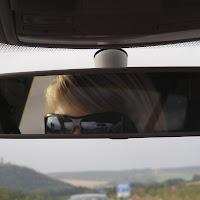 sjouk met zonnebril in de spiegel].JPG
