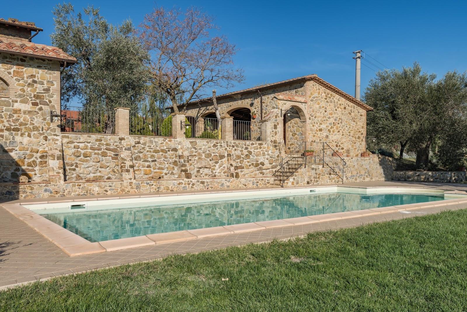 Casale Montenero_Castel del Piano_1