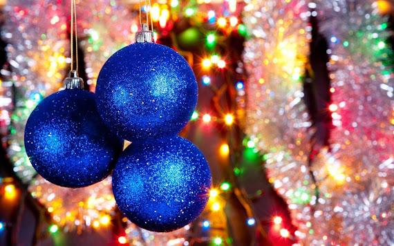 besplatne Božićne pozadine za desktop 1680x1050 free download blagdani čestitke Merry Christmas kuglice za bor