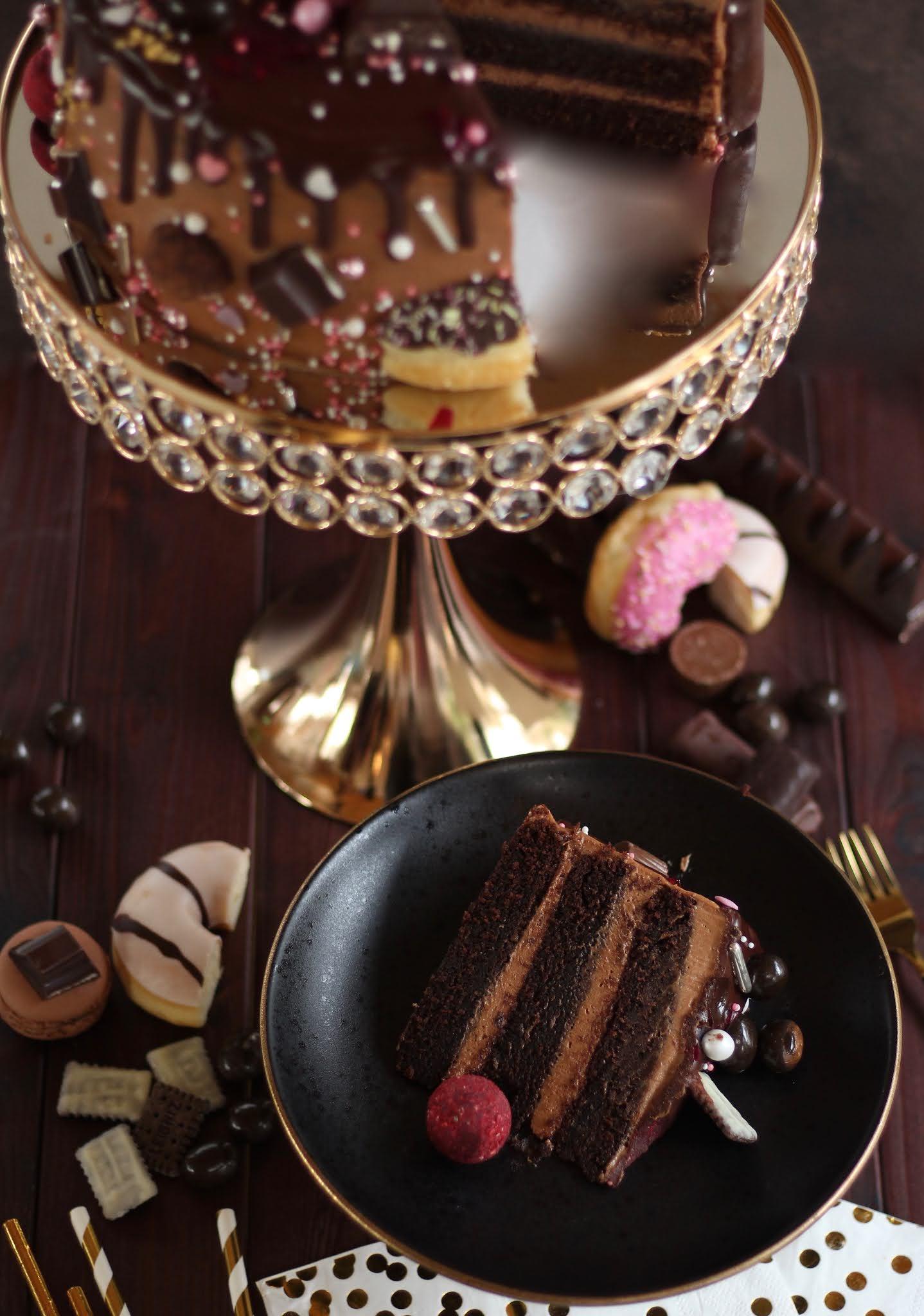 Unglaubliche Schoko-Nutella-Torte mit Drip und Donuts / Best Chocolate Drip Cake | Rezept und Video von Sugarprincess