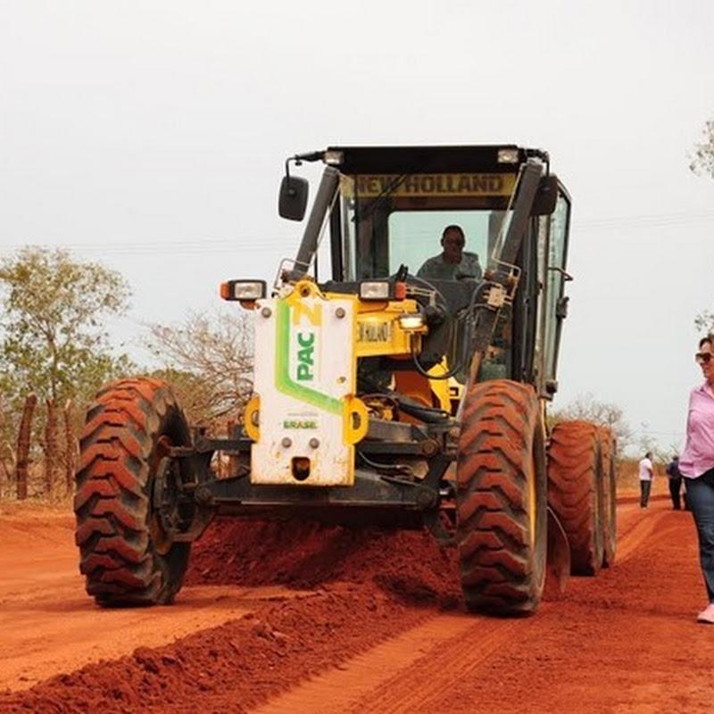 Prefeitura acompanha início do corte de terra na zona rural