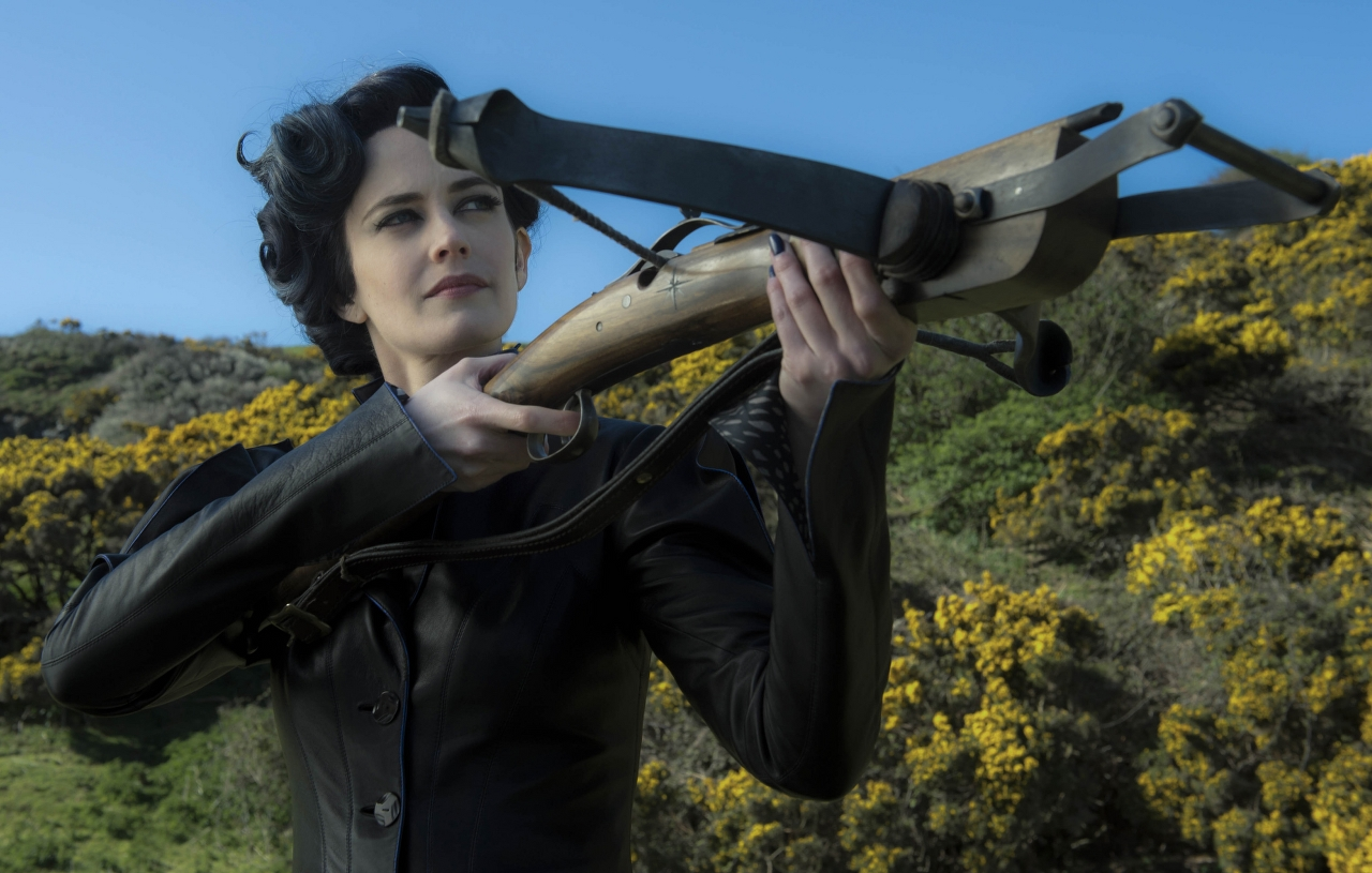 Eva Green is Miss Peregrine in MISS PEREGRINE'S HOME FOR PECULIAR CHILDREN. (Photo Credit: Leah Gallo - TM & © 2016 Twentieth Century Fox Film Corporation)