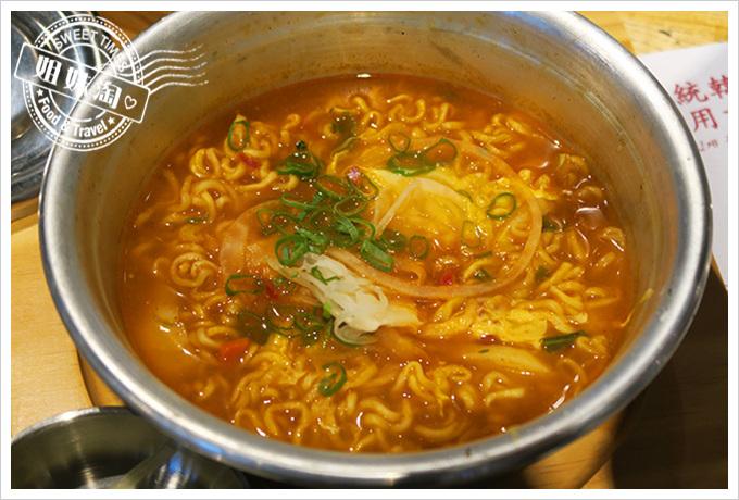 高雄姜虎東678白丁烤肉店2號店韓國拉麵