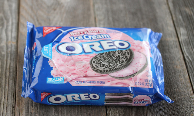 photo of a package of berry blast Oreos