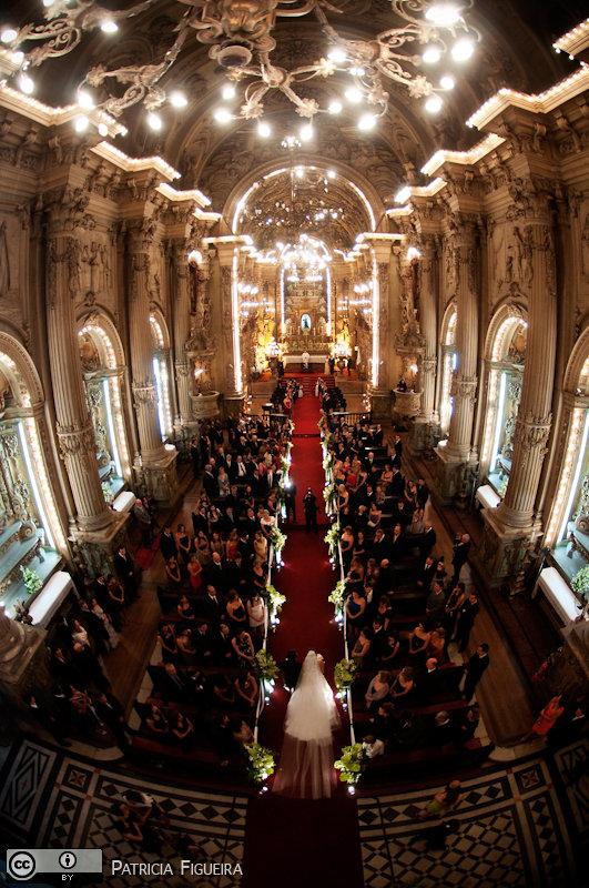 Foto de casamento 2723 de Renata e Cristiano. Marcações: 28/08/2010, Casamento Renata e Cristiano, Igreja, Igreja Sao Francisco de Paula, Rio de Janeiro.