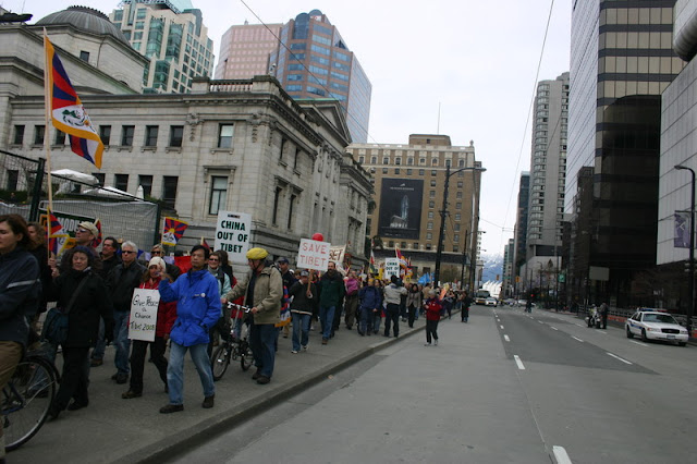 Global Protest in Vancouver BC/photo by Crazy Yak - IMG_0158.JPG