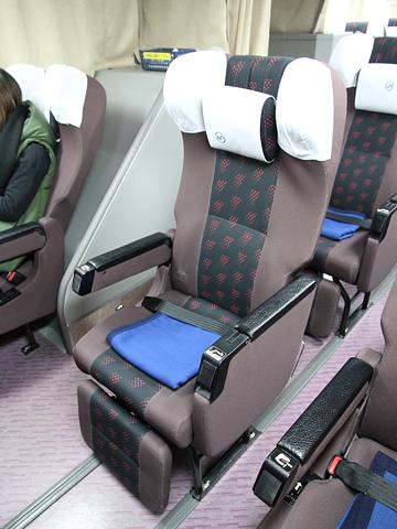 中国JRバス「出雲路」 641-0952 シート