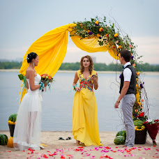 Wedding photographer Sergey Maksimov (SAM73). Photo of 06.11.2014