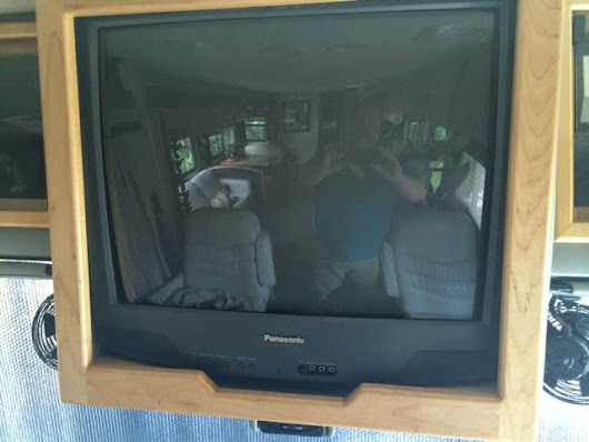 "Replacing the old box tv in my RV with a 39"" led - cabinet conversion"