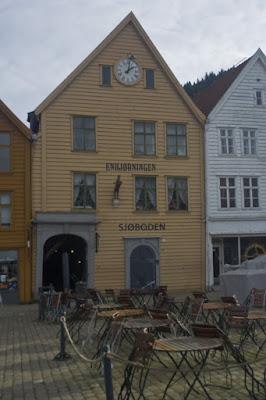Antigua casa reconvertida en restaurante, Bryggen