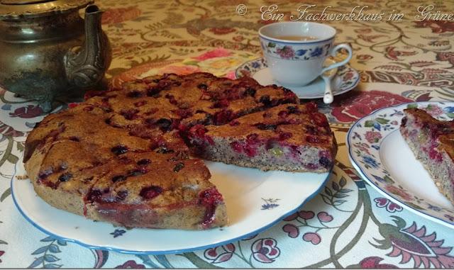 Ein Rezept für einen sommerlichen Beeren-Mohnkuchen