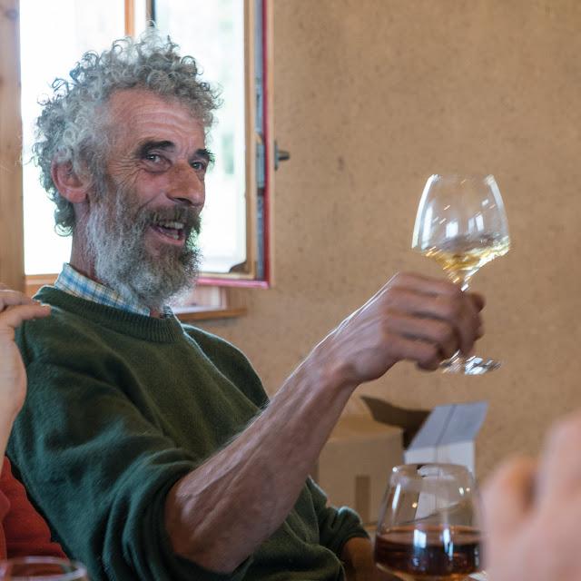 Petites vendanges 2017 du chardonnay gelé. guimbelot.com - 2017-09-30%2Bvendanges%2BGuimbelot%2Bchardonay-153.jpg