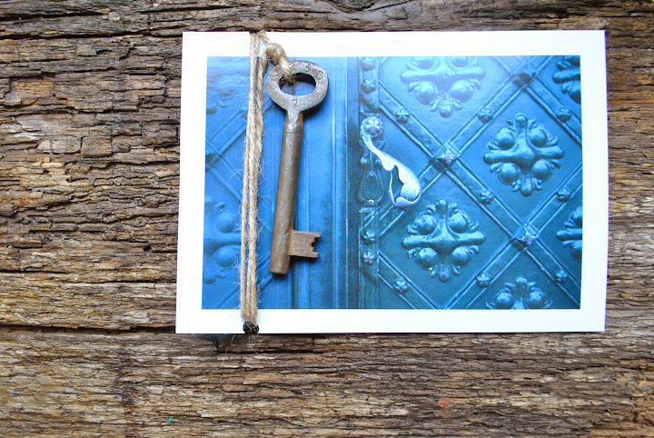 Открытка с дверью ключ светлана краков