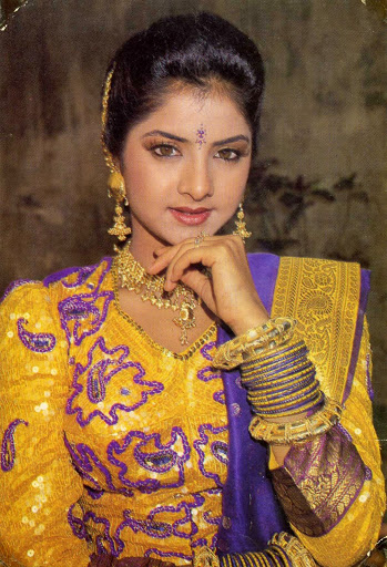 Divya-Bharti-Hot-Bikini-Photos