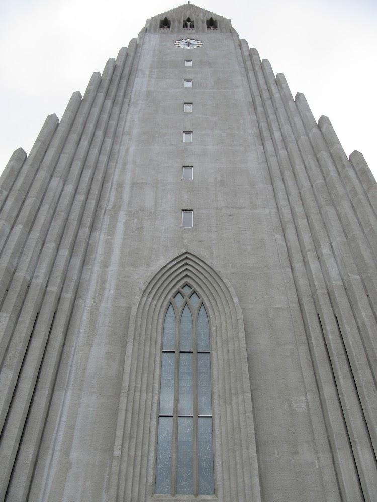 Looking up at Hallgrímskirkja
