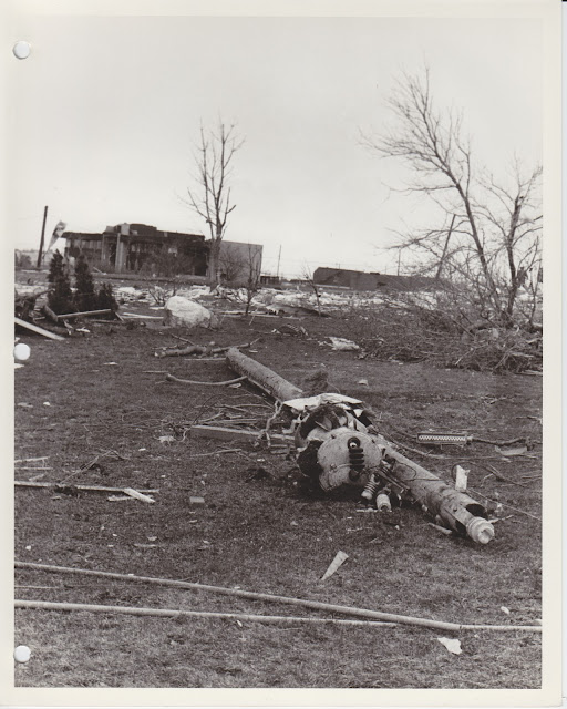 1976 Tornado photos collection - 122.tif