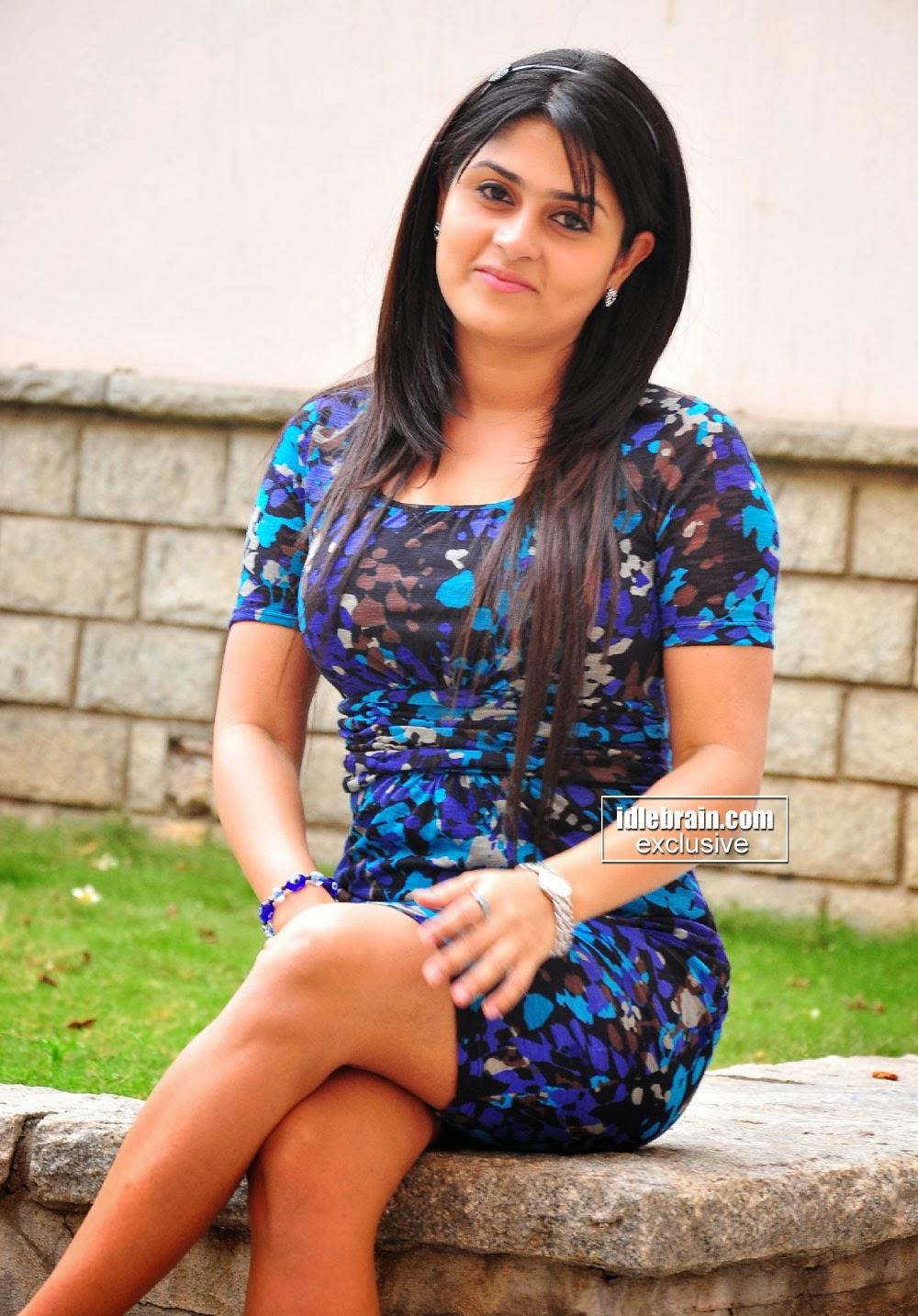 Indian hot actress sexy pictures : Manjulika actress sexy ...