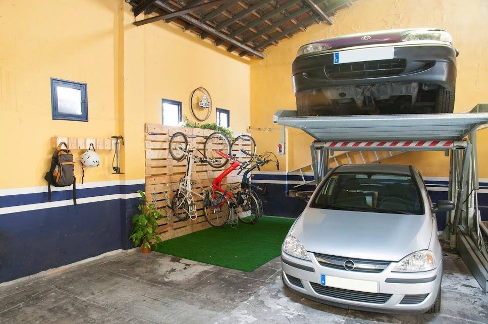 Bicis aparcadas en parking Don Cicleto