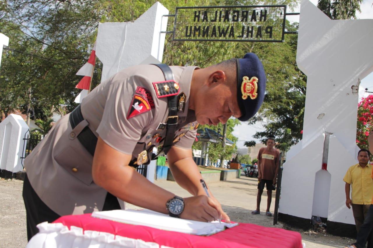Peringati HUT Brimob Ke 74, Batalyon C Pelopor Gelar Ziarah Rombongan di TMP Watampone