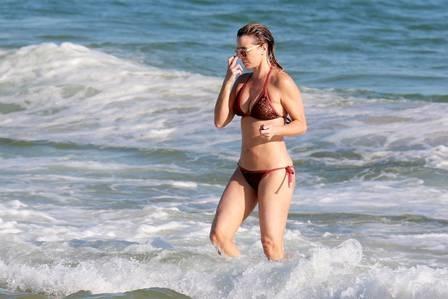 xchristine-fernandes-praia-,2815,29.JPG.pagespeed.ic.CfQKBtAbb9
