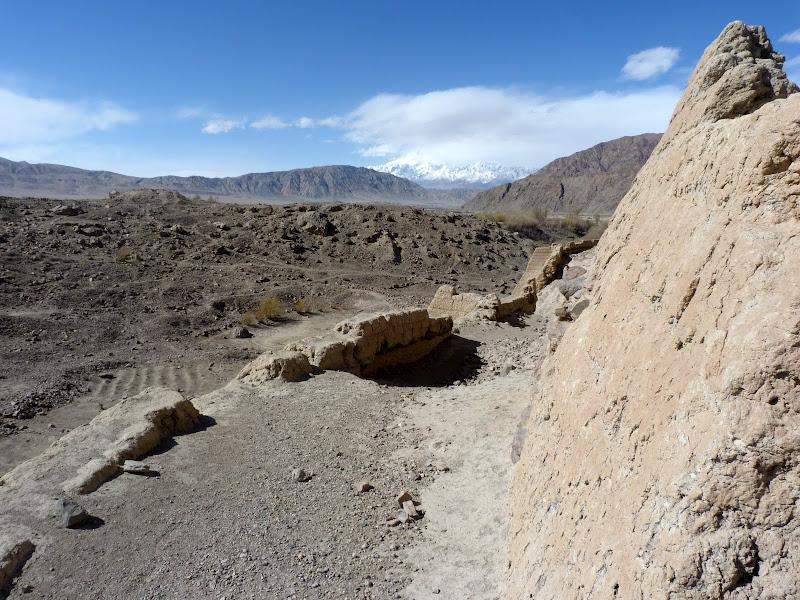 XINJIANG. Karakoram Highway, lune des plus haute route au monde, en passant a 4400 m - P1280593.JPG