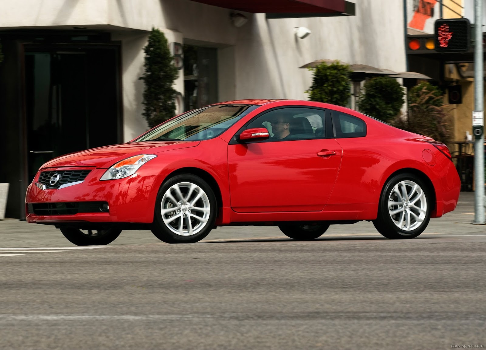 2010 nissan altima coupe specifications pictures prices. Black Bedroom Furniture Sets. Home Design Ideas