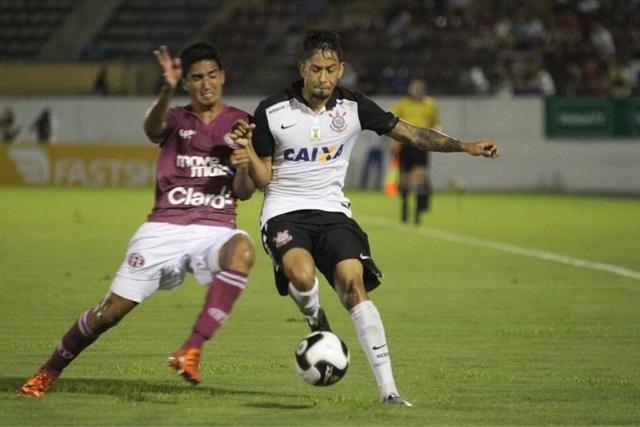 Em jogo movimentado, Corinthians empata em Araraquara