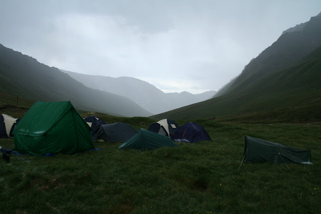 Le camp (3150 m) au Sud de la Chon Ashu Pass (Terskey Alatau, Kyrgyzistan), 8 juillet 2006. Photo : J. Ouvaroff
