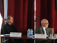 32 Az előadások során és a konferencia végén vitára is sor került.JPG