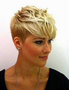 corte de pelo y peinado para pelo liso corto pixie