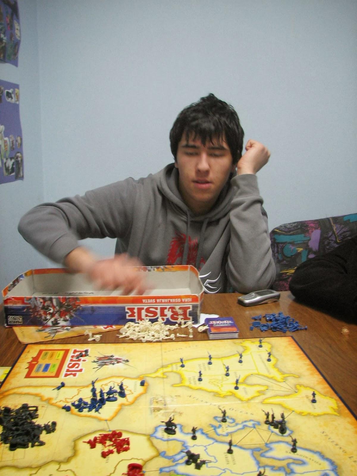 Večer družabnih iger, Ilirska Bistrica 2006 - vecer%2Bdruzabnih%2Biger%2B06%2B034.jpg