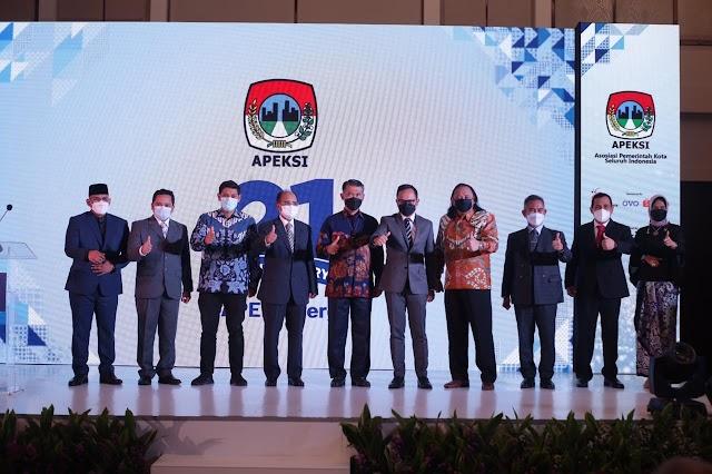 Presiden Jokowi Minta Apeksi Atasi Covid-19 dan Pulihkan Ekonomi Nasional