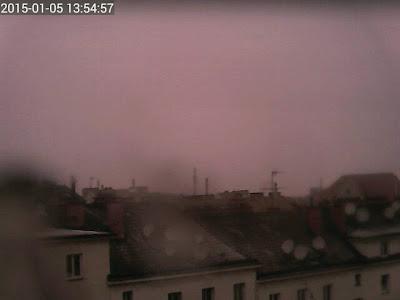 Weiterhin Schneefall in Wien bei aktuell 1.2 Grad #wetter #wien #Favoriten #schneefall