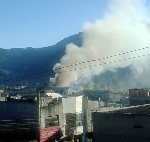 Se quema coheteria en San Pedro Sacatepéquez