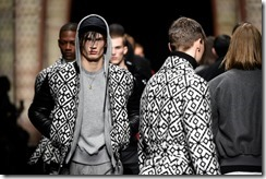 Versace_Men_FW17_Parade_ (11)