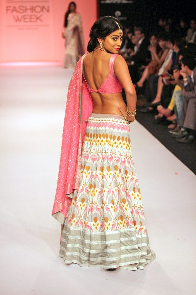 Shreya saran hot ramp walk in LAKME Fashion week