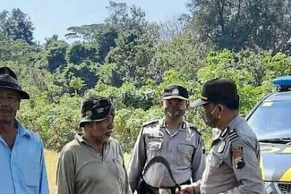 Petani Kena Razia Karena Bawa Arit ke Sawah, Polisi : Awas Melukai Orang Lain...