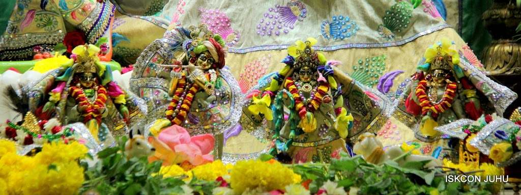 ISKCON Juhu Sringar Deity Darshan on 26th Aug 2016 (45)