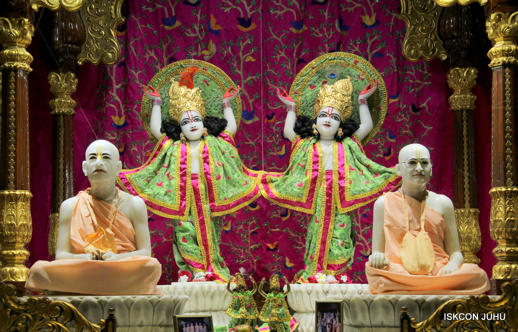 ISKCON Juhu Mangal Deity Darshan on 19th Nov 2016 (27)