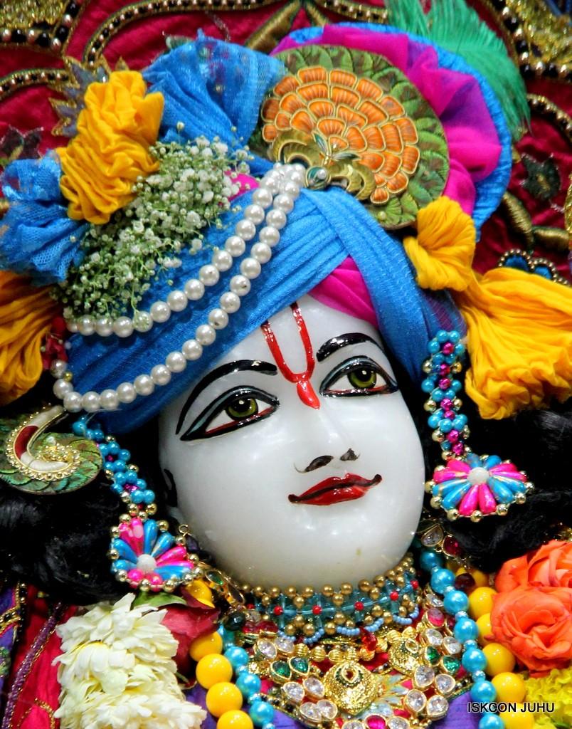 ISKCON Juhu Sringar Deity Darshan 20 Jan 2017 (41)