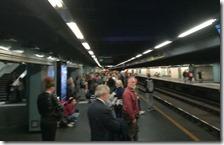 Pendolari in attesa della Metropolitana