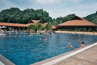 Photo: CHERATING-Piscine du Club Med de Cherating Beach