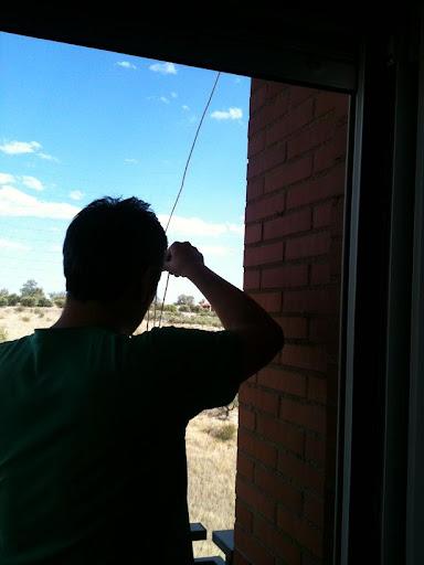 redes - Resumen de ideas para mosquiteras y redes ventanas y balcón para gatos. IMG_2656