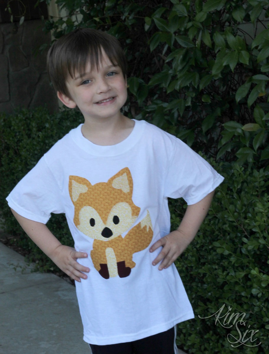 Raw edge applique fox tshirt