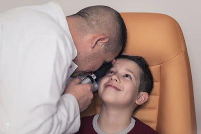 Cum afli dacă micuțul tău are ambliopie și de ce să faci cât mai curând o programare la Clinica Optisan