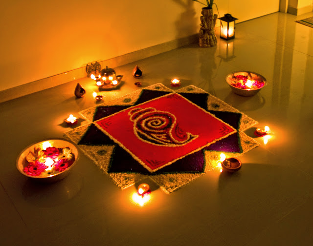 Top 5 Amazing Happy #Diwali 2014 SMS, Quotes, Messages For Facebook And WhatsApp