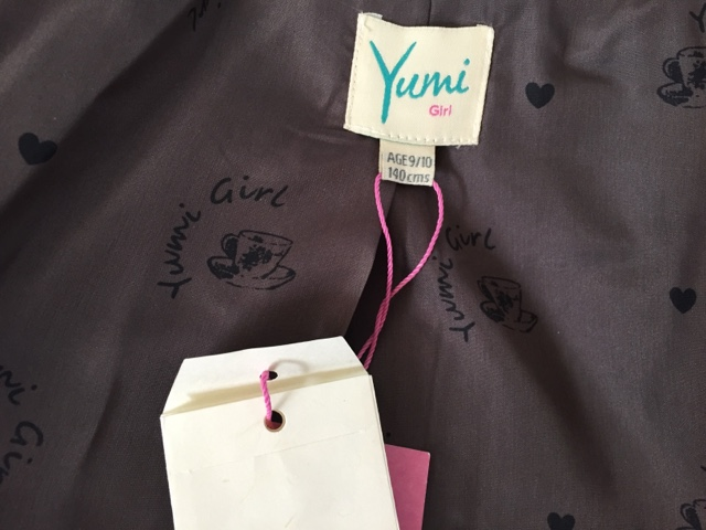 yumi-girl-grey-coat-inside-lining